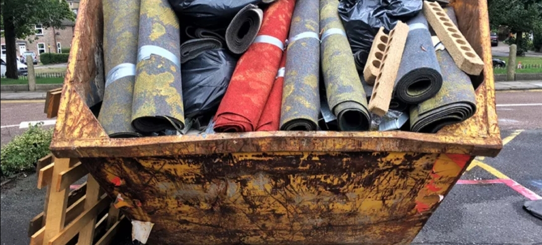 Rugs & carpets in a skip